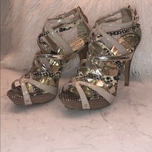 Guess snake, gold and ivory patent leather heels